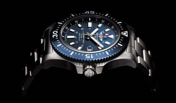 Breitling Supercoeanb 44 Special Blue Dial - side